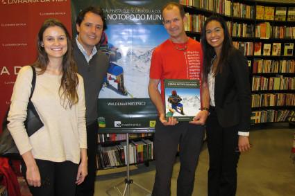 Niclevicz com Anna Lundgren e Giulianno Perri da XP Investimentos