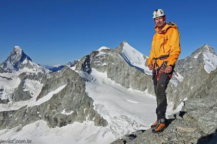 Niclevicz durante a escalada do Zinalrothorn (4.221m), Valais Suíça. Foto de Roberto Provana.